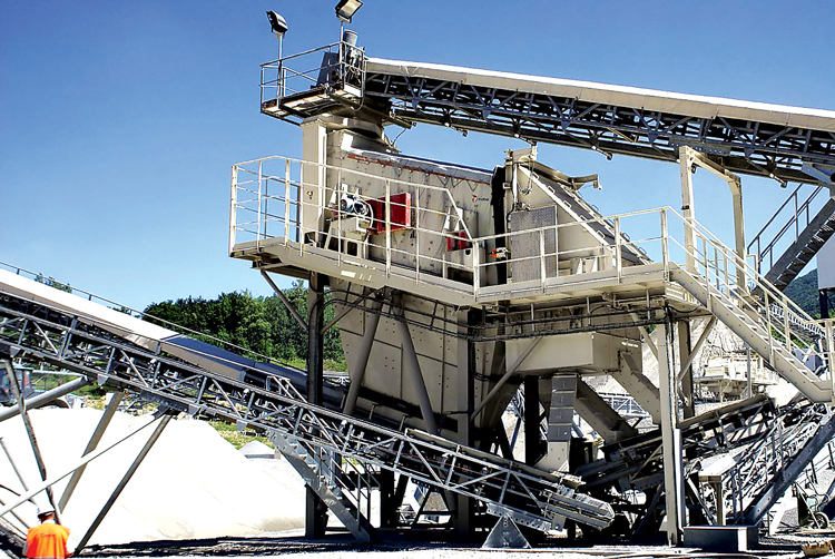 Metso's CVB screen, shown here, is included in the company's family of Premier screens, designed for maximum operational flexibility. The Compact line, by comparison, comprises units in standard, carefully selected configurations.