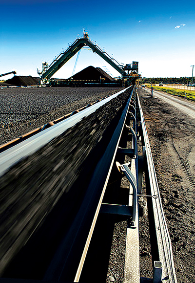 The IEA says worldwide export trading of all types of coal reached a record 1.38 billion mt last year.