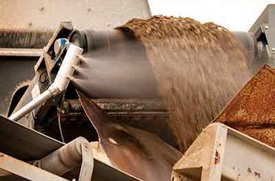 Misting Sprayer Runs on Water Pressure Alone