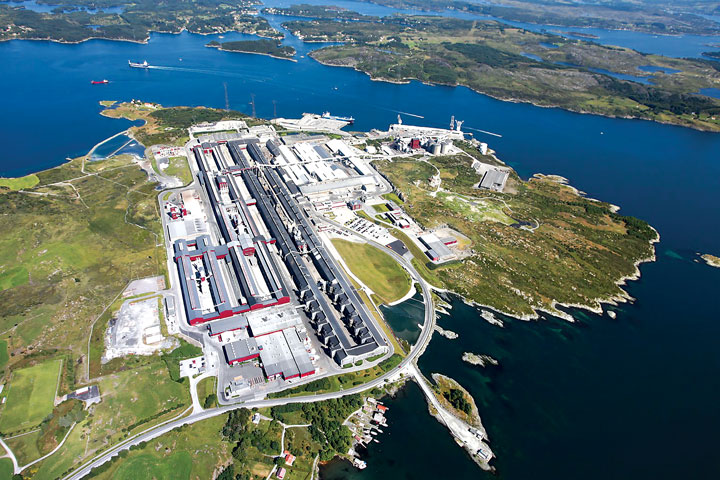 The Karmøy aluminum smelter in Norway, where Hydro has plans to build a $475 million pilot plant to prove the viability of its new smelting technology. (Photo: Hydro)
