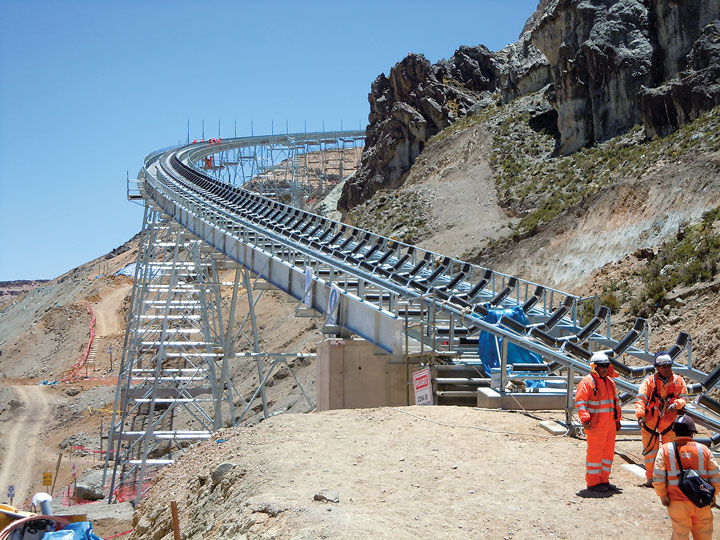 RBL-REI built a curved conveyor system for the Inmaculada mine in Peru that bypasses a rocky hillside and avoids a sensitive archeological site. The system design also provided lower capex and opex.