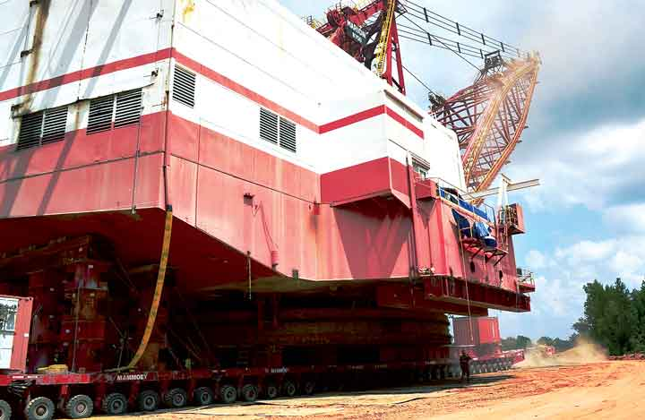 Luminant Mining used Mammoet self-propelled modular transporter (SPMT) modules to cost-effectively relocate four draglines weighing up to 13 million lb at sites up to 15 miles away. (Photo: Luminant Mining Co.)