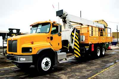 National Crane's Chilean distributor modifies standard units for mine-site use.