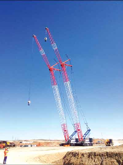 Two 260-mt QUY260 crawler cranes supplied by Zoomlion to a copper project in Kazakhstan.