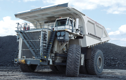 The 3,000-kW Liebherr T 284 haul truck has a 363-mt payload.