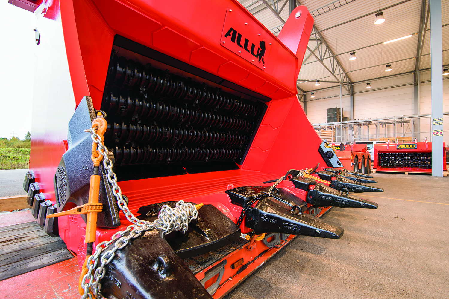 Allu's G 4-32F rock-crushing bucket is designed to be mounted on 250- to 300-ton front shovels.