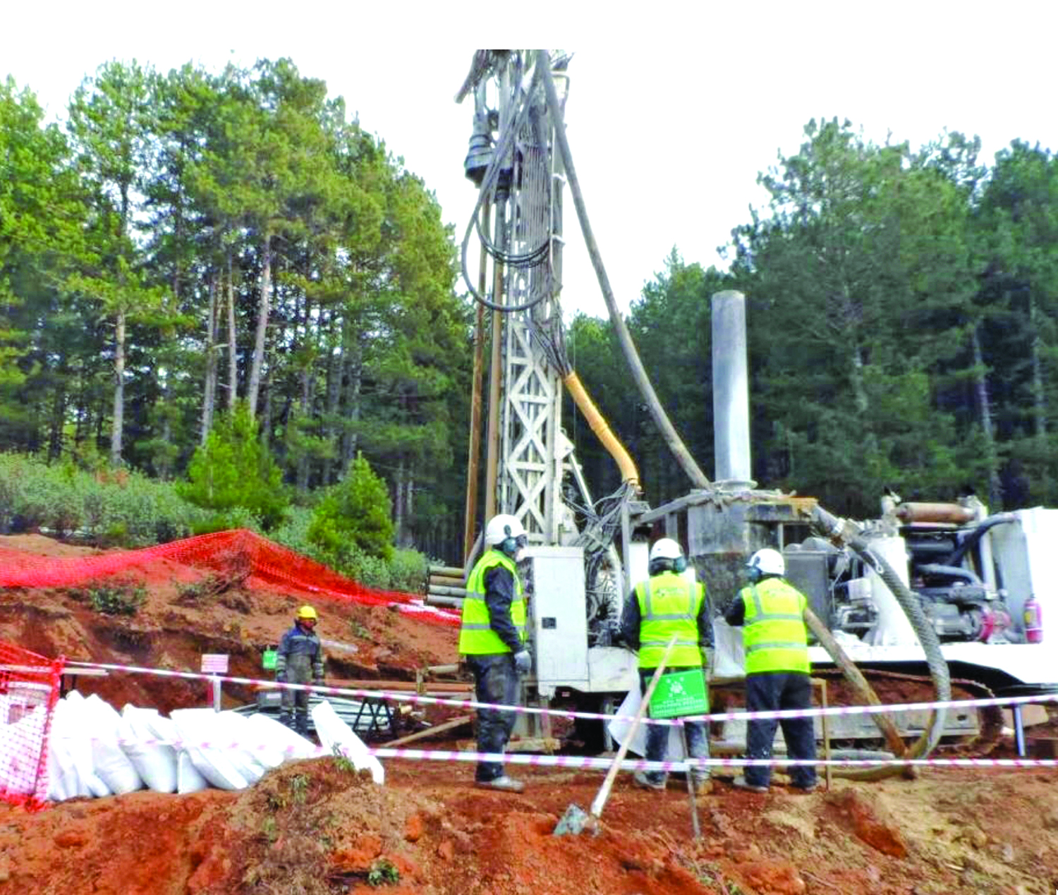 A drill crew sinks exploration holes for the Gediktepe polymetallic project 190 km south of Istanbul, Turkey. (Photo: Alacer Gold)
